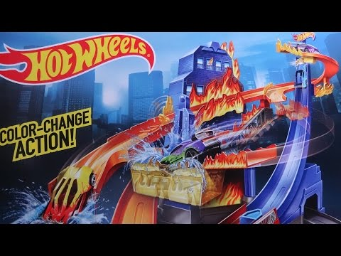 2014 HOTWHEELS FLAME FIGHTERS COLOR SHIFTER TRACK SET