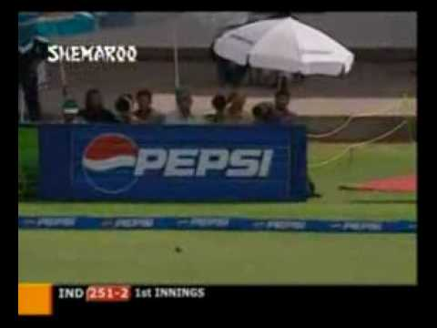 Virendra Sehwag ending Saqlain Mushtaq's career whilst scoring 309 at Multan, India vs Pakistan 2004