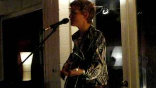 Watch Catie Curtis Soulfully video