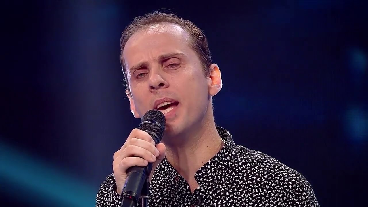"""Make You Feel My Love"" - Adele. Vezi interpretarea lui Virgil Păunescu de la X Factor"