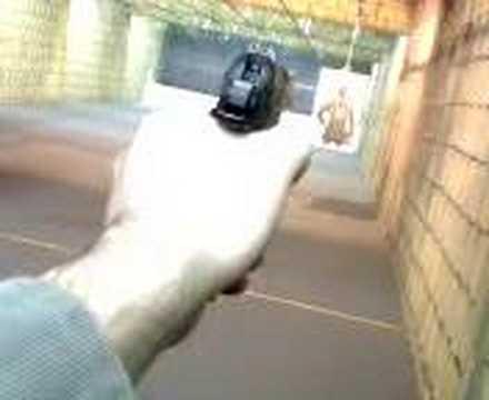 Shooting the Bersa Thunder 22