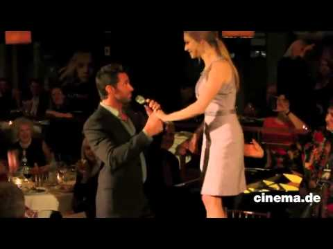 Hugh Jackman Sings Happy Birthday To Amanda Seyfried #2