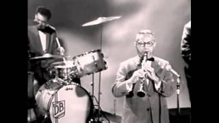 Download Lagu Sweet Georgia Brown - Louis Armstrong Gratis STAFABAND