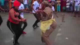 Bamba ami sarah à la gare d'abobo