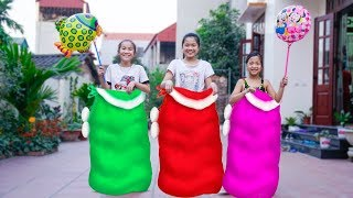 Kids plays with Jumping Bags in the Outdoors | Kids Competition Get balloons Song for children