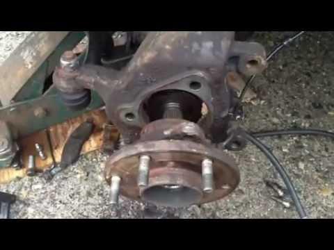 2004 Nissan Titan wheel hub removal