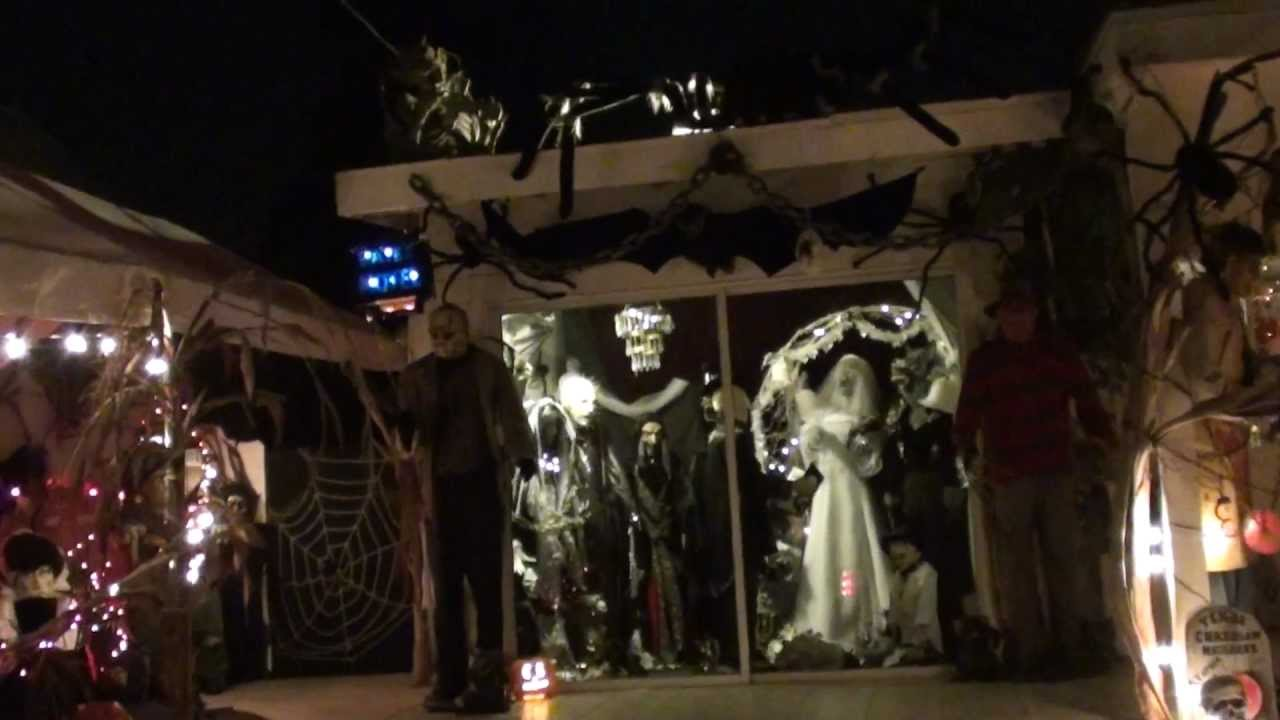 Halloween decorated haunted house chula vista ca youtube for Good themes for a haunted house