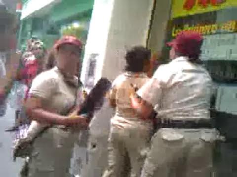 CHORA-RATA-MECHERA ATRAPADA EN ROSARIO 11/03/2011.3gp