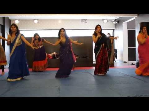 RITUS DANCE STUDIO SURAT- TUMKO PIYA DIL DIYA+ MERA BABU CHHAIL...