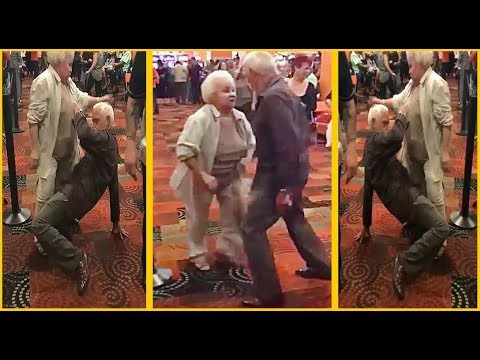 كوبل عجوز يرقص بطريقة محترفة ! verry funny dance old couple thumbnail