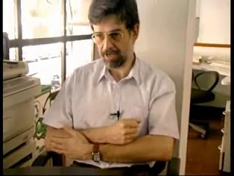 El pediatra Carlos González nos dice como colocar al bebé para amamantar