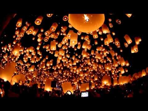 Yee Peng Festival - Floating Lanterns Festival 2011 Chiang Mai
