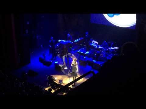 Amy Macdonald - Behind Blue Eyes