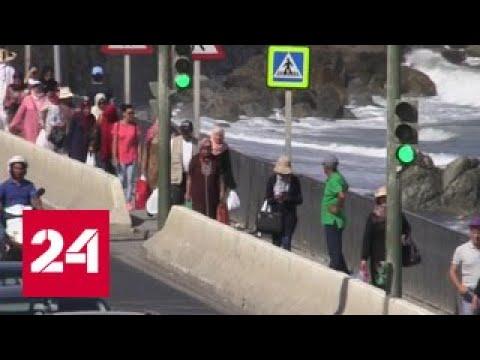 Чтобы прорваться в Европу, мигранты штурмом берут стены