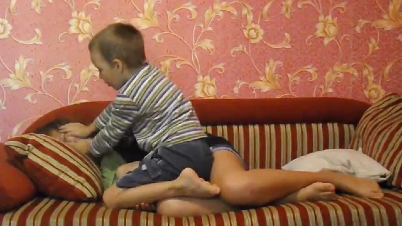 Брат и сестра - Инцест порно видео онлайн