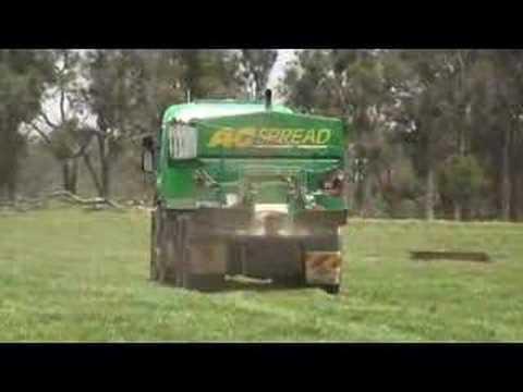 8WD Spreader Truck