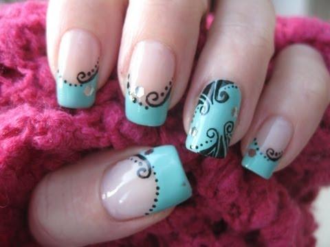 Nail art: Nostalgic decorations on turquoise