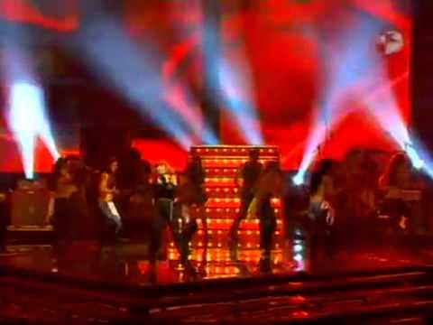 Gloria Trevi: Esa hembra es mala & Me rio de ti (Premios Tv y Novelas 2011)