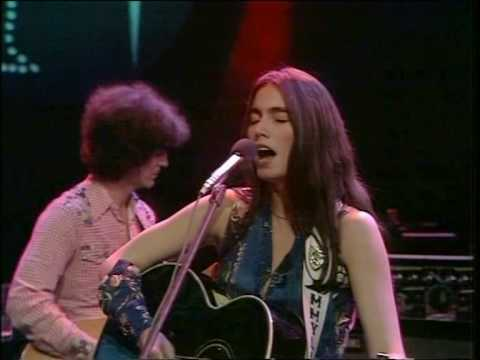 Emmylou Harris, Luxury liner forty tons of steel - YouTube Emmylou Harris Country Radio