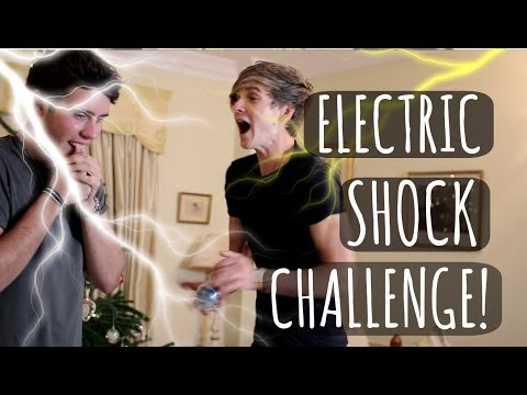 ELECTRIC SHOCK CHALLENGE WITH POINTLESSBLOG! | ThatcherJoe