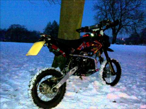 STOMP ROAD LEGAL PIT BIKE 125CC