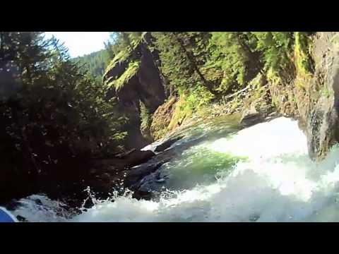 Midland XTC 200 | Pro Kayaker Heather Herbeck on the Hood River