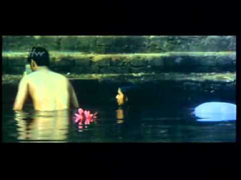 Sexy Indian  Girl And Boy Bathing.-telugu Movie video