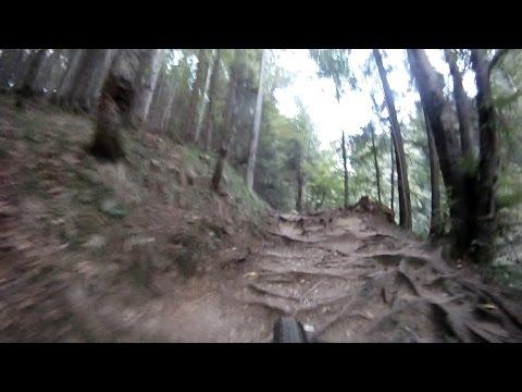 Aventuri pe bicicleta : Coborare cu bicicleta de la Canionul Sapte Scari