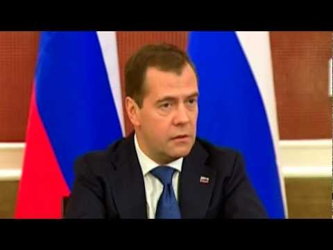 RUSSIA, VIETNAM can DRILL OFF South CHINA SEA together : Medvedev meets Russian reporters