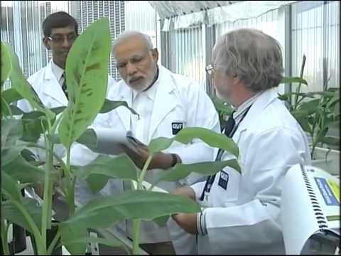 PM Modi meets scientist & students at QUT