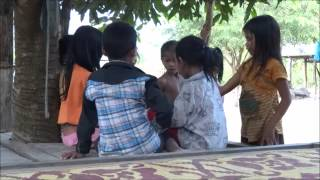 Childrens playing in Khmer village (13.12.2013)