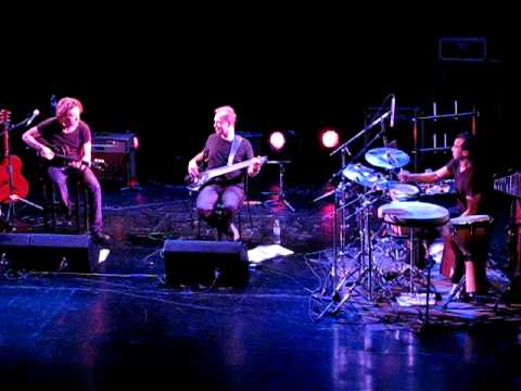 Dominic Miller Rush Hour -ND Ateneo 8-04-11. Argentina. Guy Pratt, Mike Lindup, Rhani Krija.