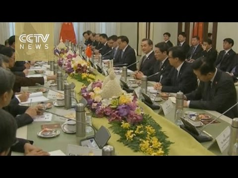 Chinese Premier Li Keqiang meets with Thai counterpart to discuss trade