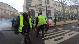 Gilets jaunes : la violence en direct de Paris