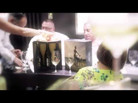 Una cata de lujo - Cervera Barcelona y Adegas Valmiñor en Joyería Suiza.