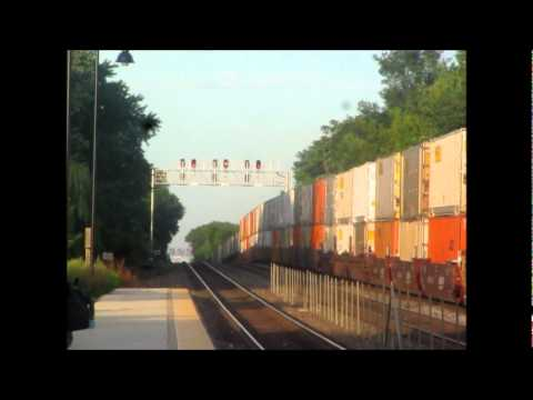 Nothing special in this video except for the warm, late summer light making the trains really pop out. I had a nice, relaxing Sunday with beautiful weather t...
