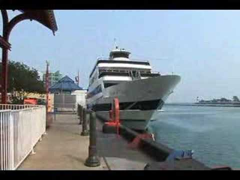 Chicago Attractions and Tours in Chicago Illinois - www.TravelGuide.TV