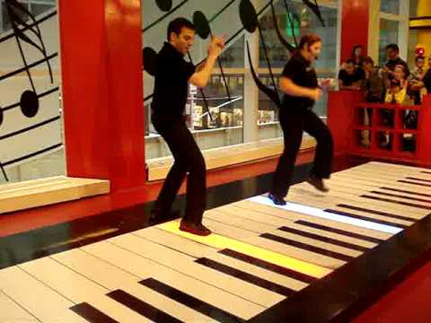 Quot Heart And Soul Quot On The Big Piano At Fao Schwarz Youtube