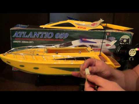 самодельная лодка на пульте