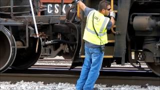 CSX Power Move On O800 Blows Brake Line and Causes a Traffic Jam
