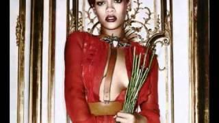 Watch Rihanna Roll video