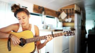 Vanlife Sessions with Mogli 'Skip the lily'