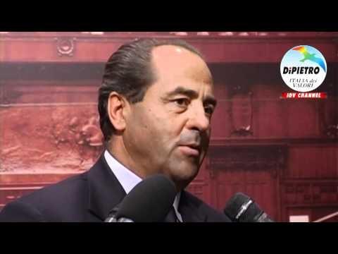 """Di Pietro: """"Berlusconi salga al Colle e si dimetta"""""""