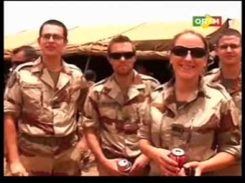Gao: Le Ministre Français de la defense Jean Yves Le drian rend visite aux troupes de Serval