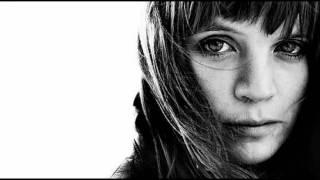 download lagu Ingrid Olava - Back To Love gratis