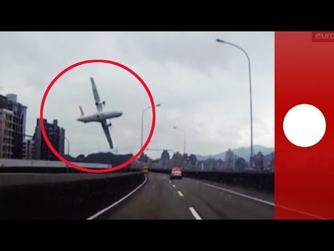 Taiwan TransAsia plane crash caught on amvid