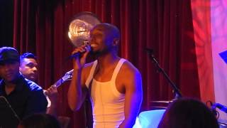 Kenny Lattimore sings a House is not a home - Dave Koz Cruise 2016
