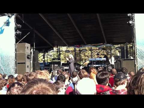Omar Souleyman - Leh Jani - Live  Fun Fun Fun Fest 2011 - Austin, Tx video