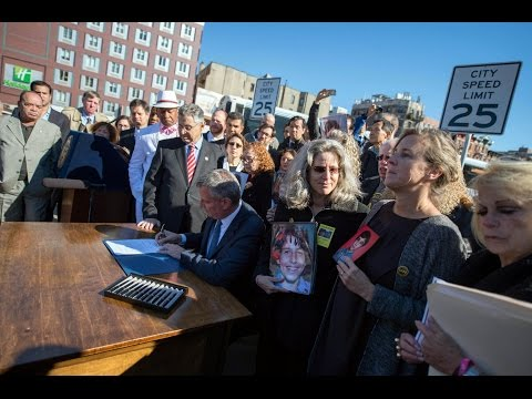 Mayor de Blasio Hosts Press Conference and Signs Int. 466-A