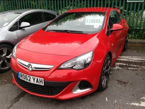 2012 Vauxhall Astra VXR Start Up. Exhaust. and In Depth Tour